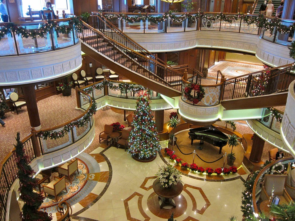 Christmas On A Cruise Ship  CruiseInd